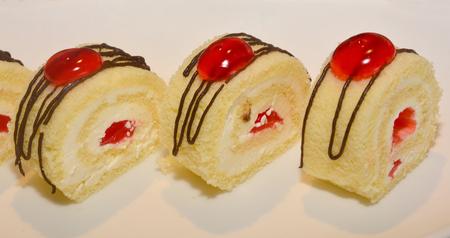 jam roll, Swiss roll, jelly roll