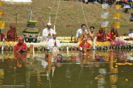 PHETCHABUN, THAILAND – 28  SEPTEMBER 2019 : Um Phra Dam Nam Ceremony, The Phetchabun Governor, representing all people, will carry the Buddha image and dive into the Pasak river facing 2 directions