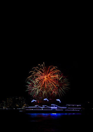 come in: PATTAYA,THAILAND-NOVEMBER 28 : Beautiful firework in Pattaya International Firework on November  28,2015.This show come on November every year.