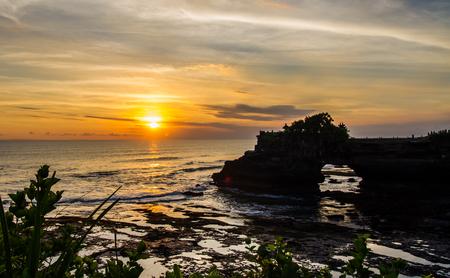 pura: Pura Tanah Lot sunset in Bali,Indonesia.