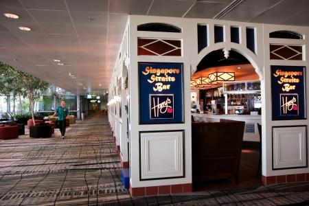 straits: Singapore Straits Bar in Changi International Airport Editorial