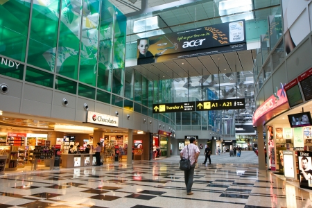 Shopping-Center in Changi International Airport in Singapur. Editorial