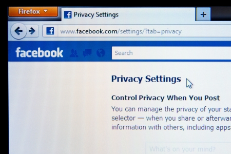 Privacy Setting page in Facebook social media website.