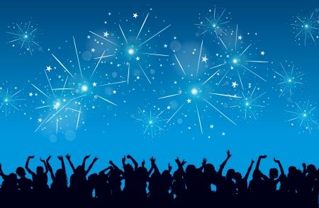 celebração: fundo de uma celebração da véspera de Ano Novo com as silhuetas das pessoas delirantes e fogos de artifício.
