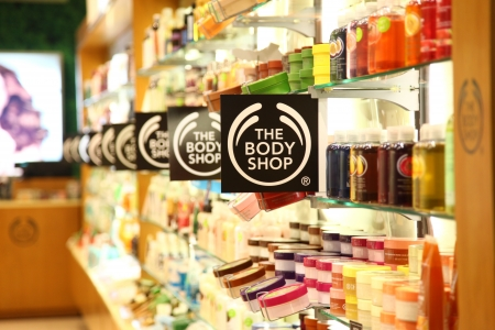 Cilandak Town Square, Jakarta, Indonesia - October 12, 2013: The Body Shop logos at The Body Shop outlet in Cilandak Town Square, Jakarta. The Body Shop is a cosmetic brand and has more than 2,400 stores in 61 countries. Redactioneel