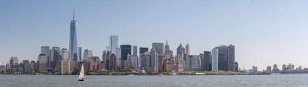 see the usa: Boad tour to see the skyline of Manhattan, New York, USA