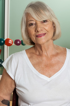 paraplegico: Retrato de una mujer de edad avanzada Foto de archivo