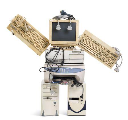 transformed: pila de computadora vieja transformada en un robot de