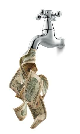 cashflow: Grifo con dinero que fluye sobre fondo blanco