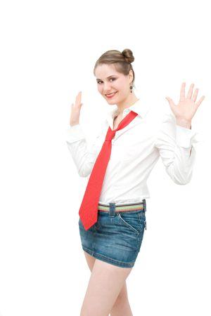 Jeune étudiant avec une cravate rouge.