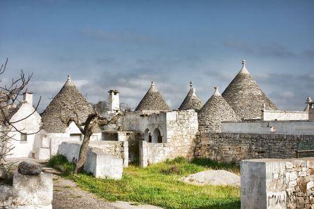 Schöne Häuser Trulli in Apulien, Italien. Lizenzfreie Bilder