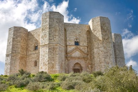 Castel del Monte in der Region Apulien, Italien Standard-Bild - 4756432