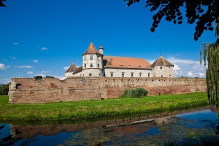 fagaras: La fortezza Fagaras nella Contea di Brasov, Romania in estate.