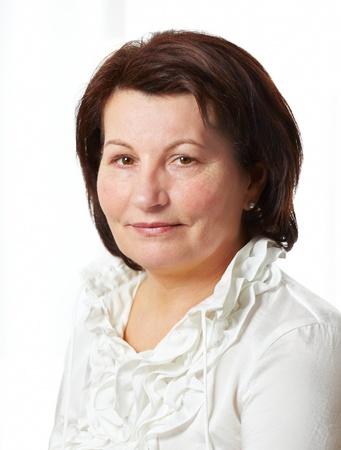Schöne mittleren Alters Geschäftsfrau Porträt im Büro. Lizenzfreie Bilder