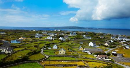 Panoramic Landschaft Inisheer Island, Teil der Aran Islands, Irland. Lizenzfreie Bilder