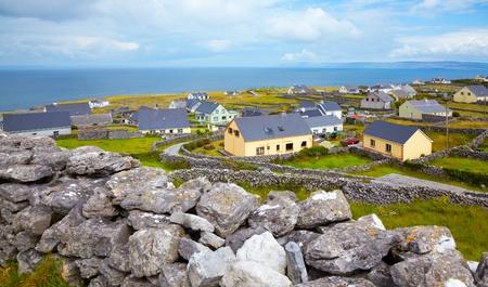 Panorama-Landschaft der Inisheer Island, Teil der Aran Islands, Irland. Standard-Bild