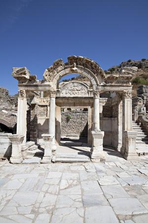 hadrian: Templo de Hadrian, Ephesus, Izmir, Turqu�a Editorial