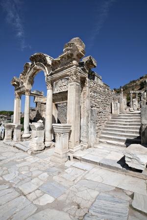 hadrian: Templo de Hadrian, Ephesus, Izmir, Turqu�a Foto de archivo