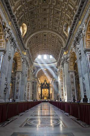 Interno della Cattedrale di San Pietro s, Citt� del Vaticano Italia Editoriali