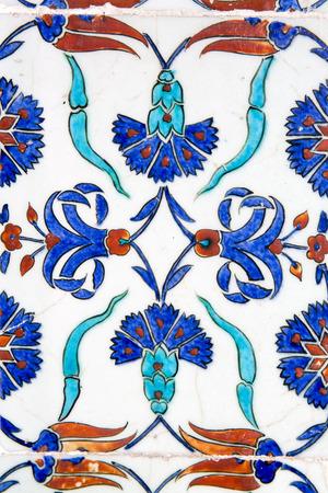 iznik: Iznik tiles in Rustem Pasa Mosque, Istanbul, Turkey