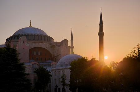 fatih: Sunrise on Haghia Sophia in Fatih district of Istanbul, Turkey