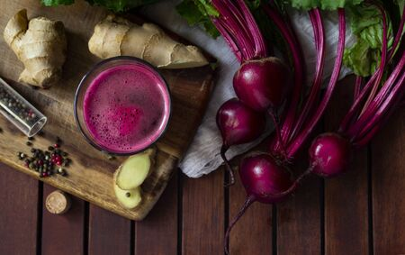 Fresh spicy beetroot juice with Ginger, flat lay Standard-Bild - 126843728