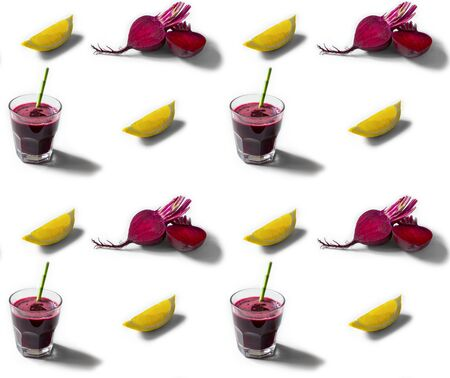 Seamless pattern with beetroot, lemon and fresh juice cocktail Standard-Bild - 126843730
