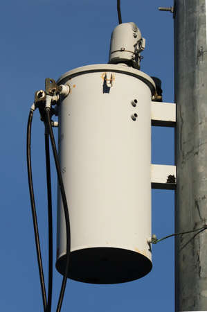 岬 5 月、ニュージャージー米国 2016 年 8 月 25 日ポールに掛かっている変圧器。