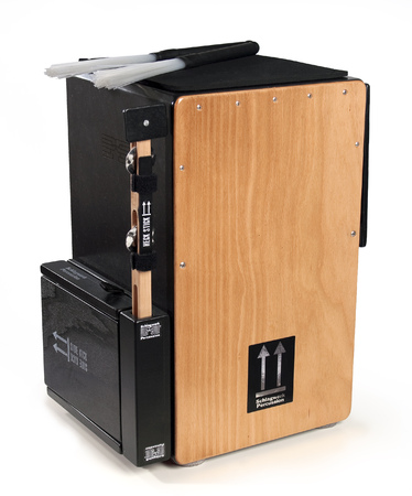 A cajon with wire brushes Imagens