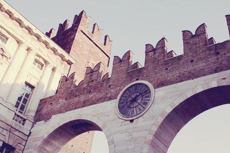 embrasure: Verona clock