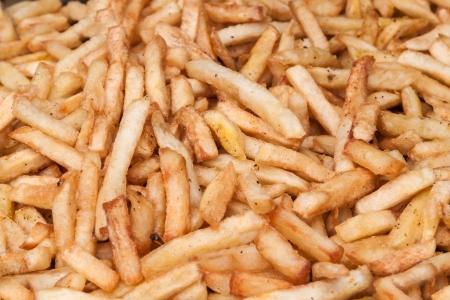frites: Pommes frites fried in oil