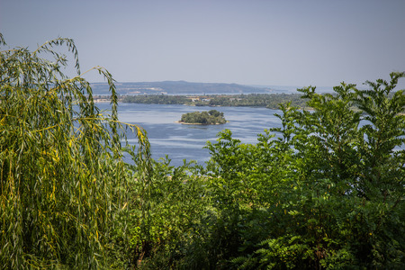 horison: The Dnipro river near town of Kaniv; view from Tarasova hora