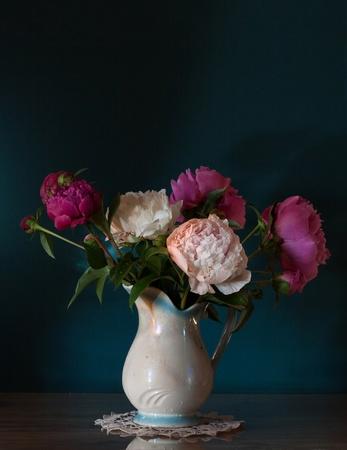 Stilleven met pioenen Stockfoto