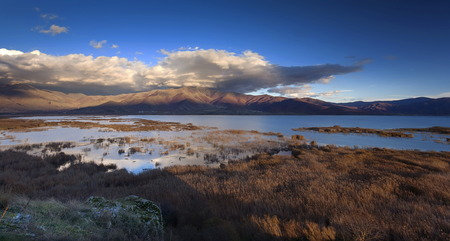 Blick auf See Prespa, Griechenland Standard-Bild - 37147939