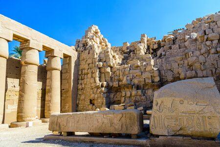 Ruins of ancient Karnak temple. Luxor, Egypt Imagens