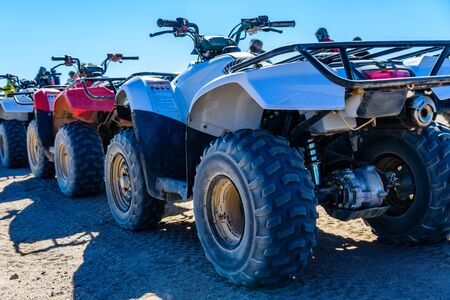 Quad bikes in Arabian desert not far from Hurghada city, Egypt 免版税图像 - 131535032