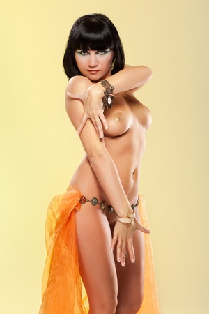 Naked woman dancing in Cleopatra style