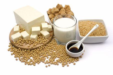 soja: Produits de soya isol�es sur fond blanc