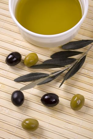extra virgin olive oil: Extra virgin olive oil with black and green olives