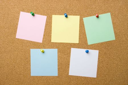 noteboard: Corkboard with five blank notes, add your own text