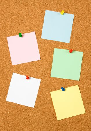 noteboard: Blank notes pinned on cork notice board Stock Photo