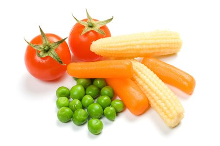 baby corn: Tomato, carrot, green peas and baby corn isolated on white