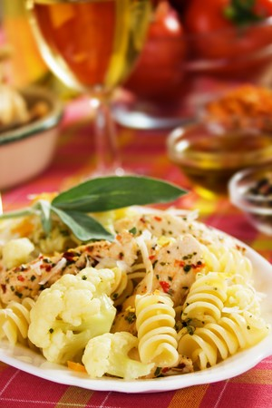 chicken meat: Italian farfale pasta with cauliflower and chicken meat