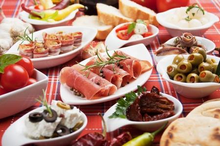 Antipasto, Tapas, verschiedene Vorspeisen essen traditionell im südlichem Ländern