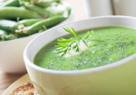 preen: Creamy soup with green peas, selective focus