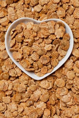 processed food: Fiocchi di soia Muesli in vassoio a forma di cuore
