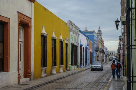 case colorate: Street, con case colorate a Campeche, Messico