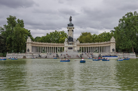 parque del buen retiro: MADRID, SPAIN - JULY 4: Monument to Alfonso XII in the Parque del Buen Retiro Park of the Pleasant Retreat in Madrid, Spain Editorial