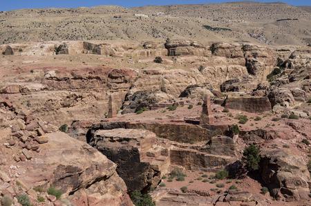 sacrificio: obelisco nabateo en HighPlace de Sacrificio en Petra, Jordania