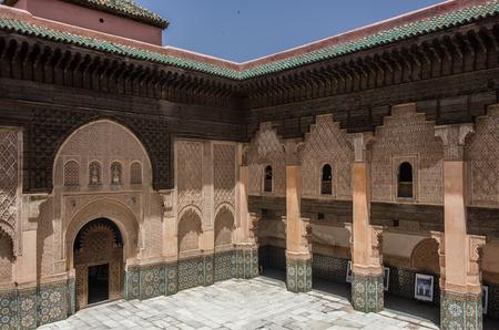 木や石の彫刻。ベン ユーセフ ブー、マラケシュ、モロッコの lInner 親切